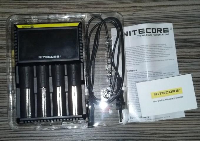 Комплект поставки Nitecore D4