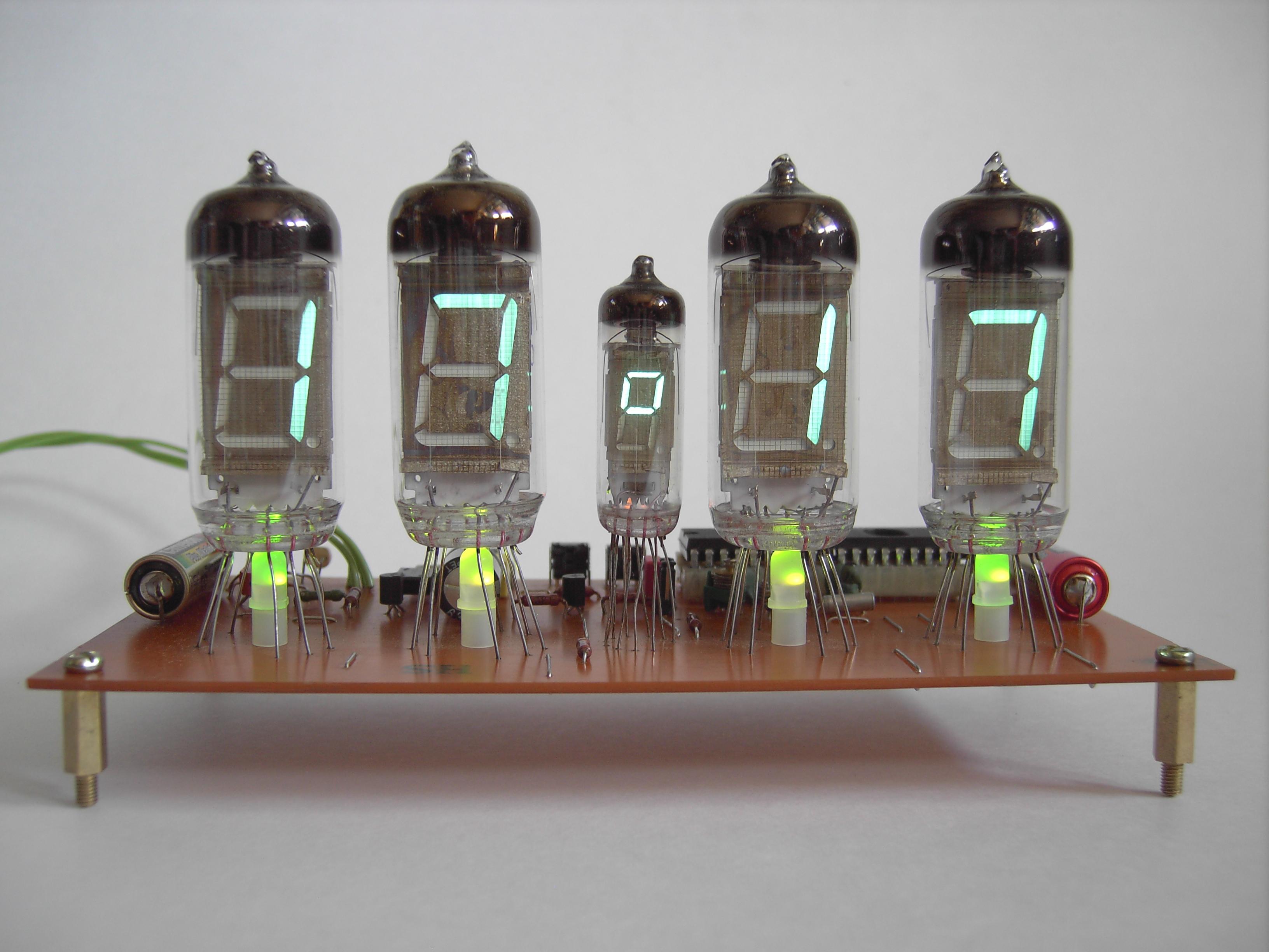 схема часы на к145ик1901